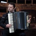 Pasaulinio garso atlikėjas Mirco Patarini groja SCANDALLI EXTREME