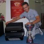 2010 m. pasaulio taurės laimėtojas Petar Maric groja Scandalli extreme
